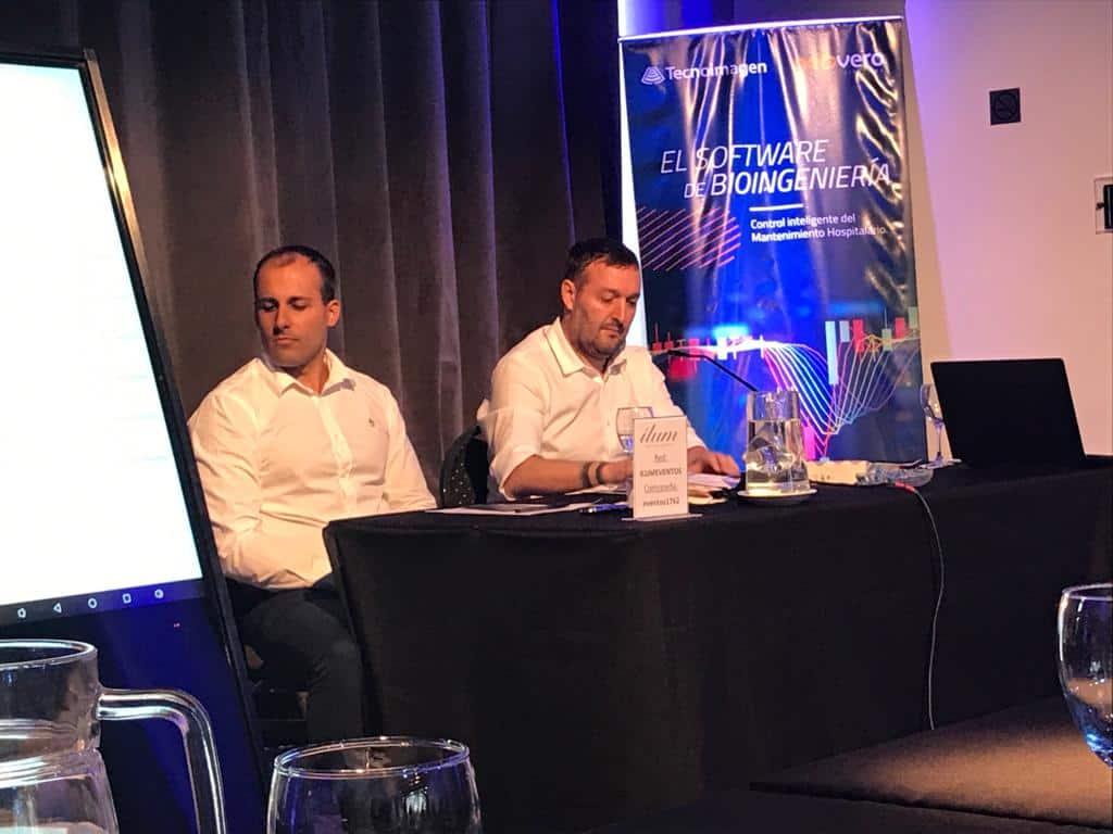 ignácio marola e emilio moscardo em evento da neovero sistemas na argentina