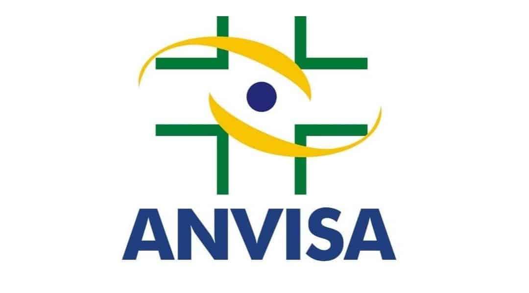 Quais tipos de softwares utilizados em instituições de saúde precisam de registro Anvisa?